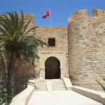 800px-Tunesien_Houmt_Souk_Bordj_el_Kebir_1